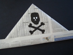 NewspaperPirateHat16RS6k[1]